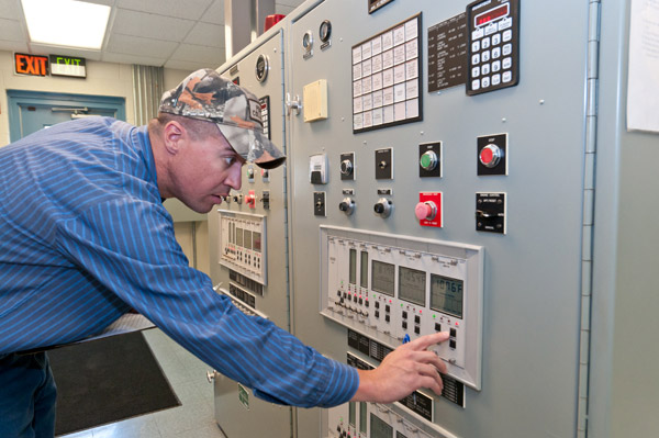 Electrical Power Generator With Onsite Power Generation Students Receive Comprehensive Safety Training Associate Of Applied Science Degree aas