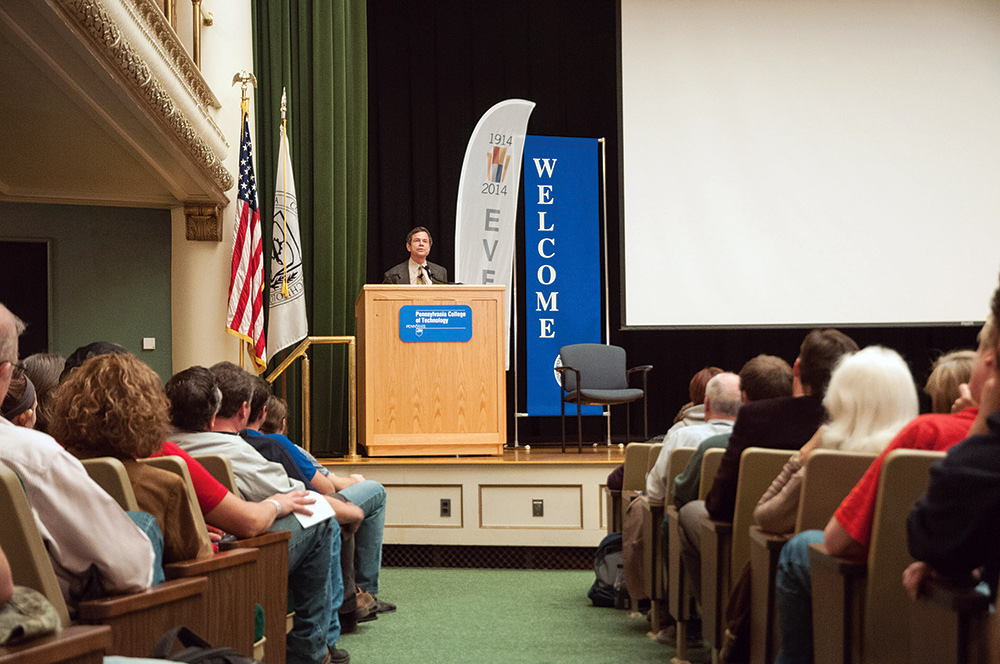 Alan Lightman addresses Klump Academic Center audience. Photo by Dalaney T. Vartenisian.