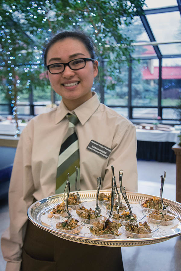 Student Sarah E. Myers during a 2017 pre-dinner reception. Photo by Jennifer A. Cline.